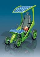 3D-Illustration Tretauto als Öko-Mobil mit Sparschwein