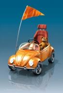 3D-Illustration Tretauto als Volkswagen Cabrio mit Teddy