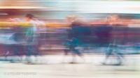 Menschen in der Fußgängerzone fotografischer Impressionismus, impressionistische Fotografie Slow Speed