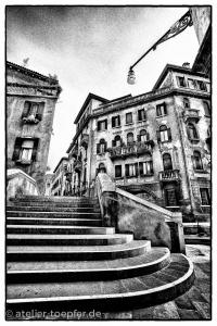 Venedig Hochkontrast-Foto Treppe